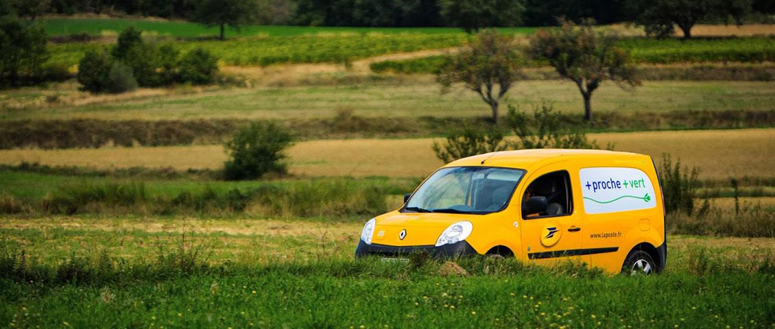 Photo d'une Kangoo ZE dans la campagne