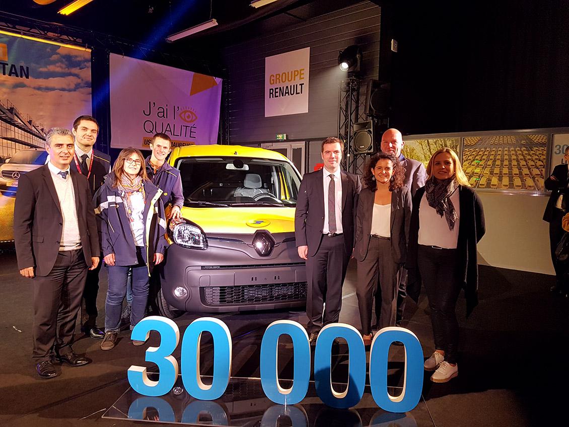 La 30 000ème Kangoo Z.E. de l'usine Renault de Maubeuge, fourgonnette électrique préférées des facteurs et factrices de France.