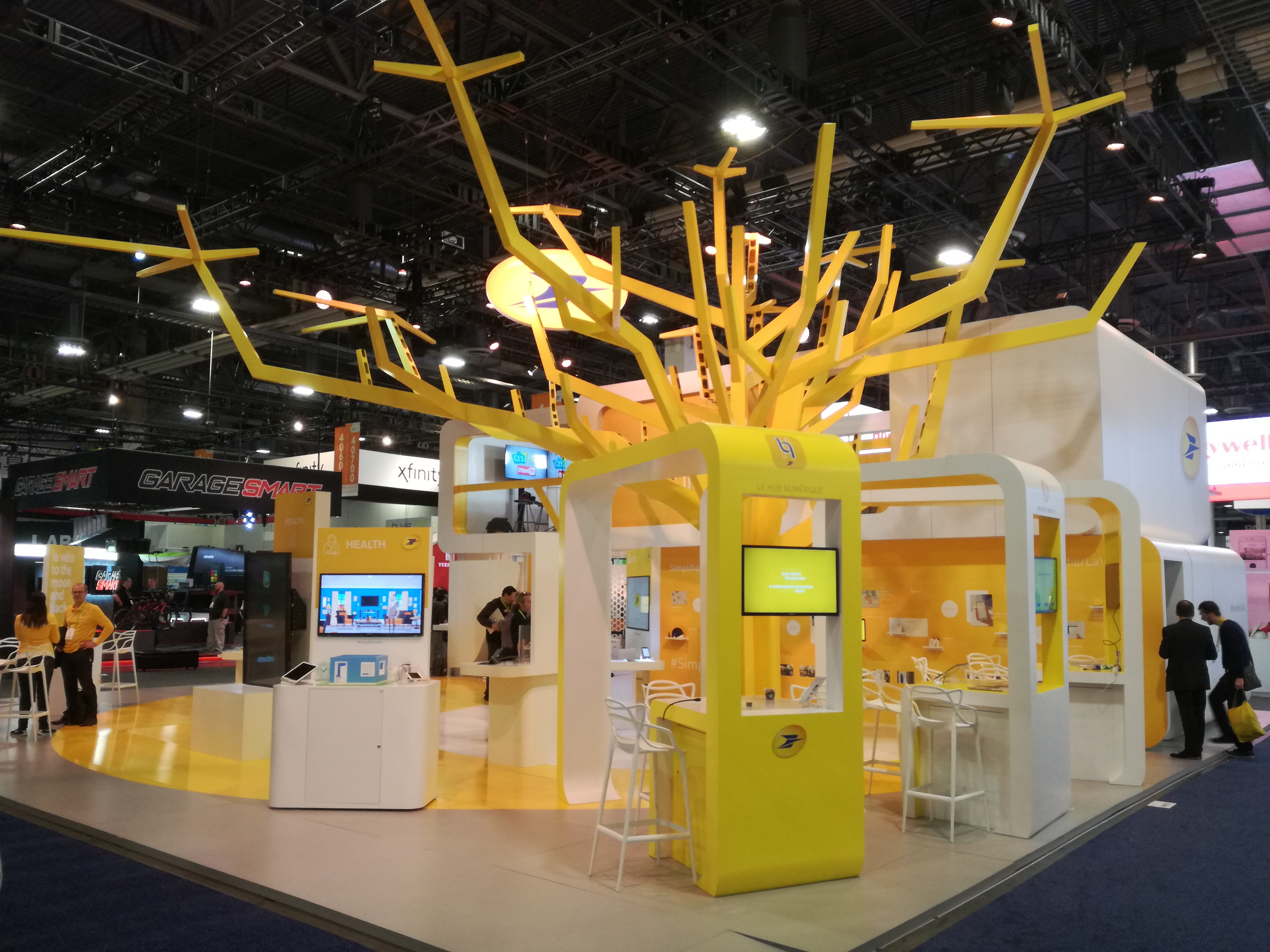 The La Poste stand provided an immersive experience for visitors, showcasing the company's services: after embarking on an original and interactive journey, visitors found themselves at the heart of La Poste's service offering ecosystem.