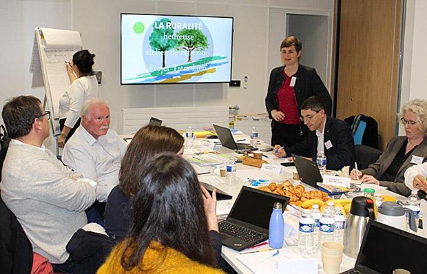 Photo du groupe de travail réuni le 6 mars pour réfléchir au développement des tiers-lieux sur le territoire.