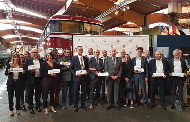 Photo avec les partenaires du pacte avec les quartiers pour toutes les entreprises (PAQTE) sur la ville de Mulhouse.