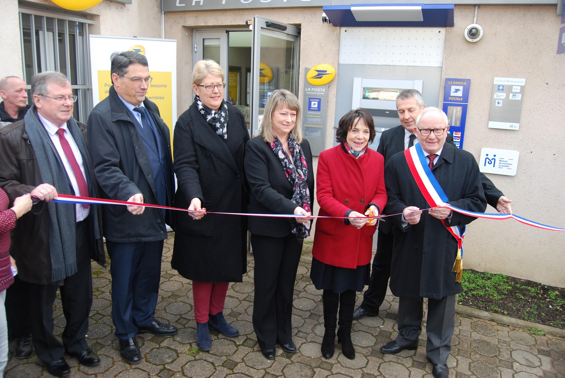 La MSAP de Chateauneuf sur Cher inaugurée le 21 février 2018, notamment par Catherine Ferrier, préfète du Cher et Patrick Vautier, sous-préfet de Vierzon en charge du schéma d'accessibilité aux services publics dans le Cher.