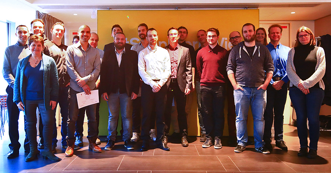 Simplon class of 2018. The graduates of the programme all carried out their work-study programmes in a subsidiary or a division of Le Groupe La Poste. Here, they are supported by their tutors.