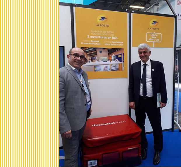 Photo de Hervé Morin (à droite sur la photo), ici en compagnie de Nicolas Plantier animateur commercial service-courrier-colis.