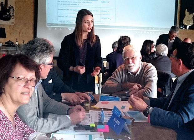 Photo de la séance de travail du 3 avril 2019, avec les présidents et les membres des 12 Commissions Départementales de Présence Postale Territoriale (CDPPT) de la région Nouvelle Aquitaine.